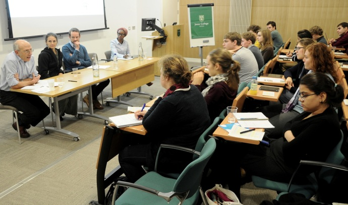 Chairing the panel on MDGs and Post-2015 Agenda at the Introduction to International Development Conference for the Oxford Forum for International Development. Oxford, 15 November 2014 [Source: OxFID Photo Gallery]